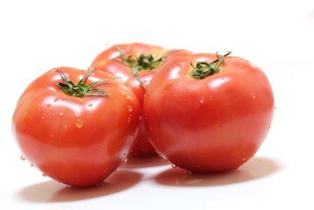 ビタミンA(β-カロテン)の栄養が含んでいる食材、食べ物のトマトの写真