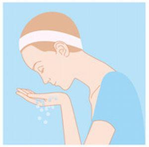 顔をぬるま湯で濡らしているイラスト