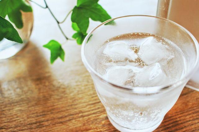 氷水洗顔につかう氷水の写真