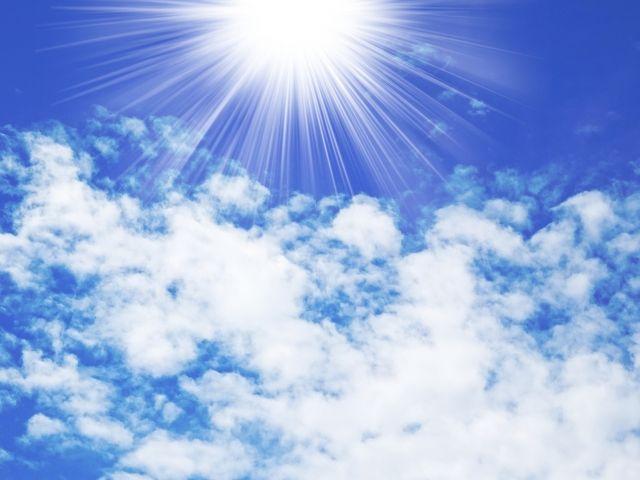 紫外線をイメージした太陽の写真